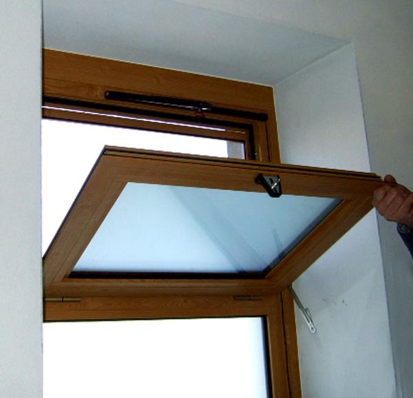 finestre a vasistas produzione finestre alluminio pvc